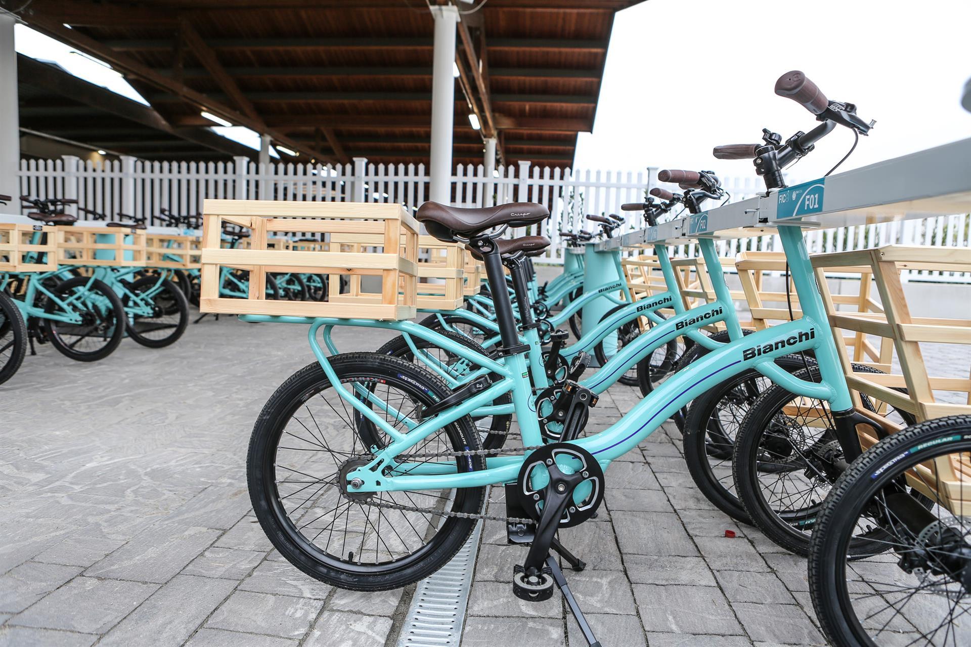 La Bianchi Fico shopping bike